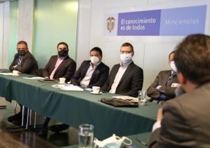 Información de batimetría de los fondos marinos de Colombia, contenidos educativos basados en los temas marinos, acuicultura y cambio climático fueron algunos de los temas tratados en la reunión.